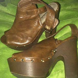 Breckelles Shoes - Wooden Chunky Heel